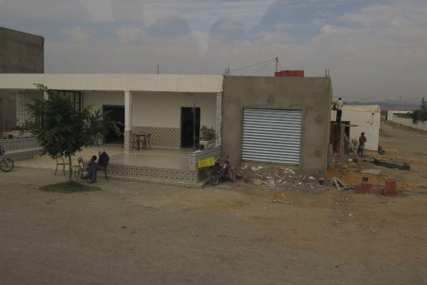 Тунис — это нищета и разруха